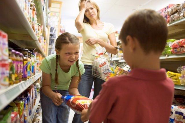 Niños discutiendo, reglas, regañar