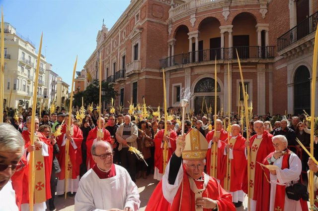 Cañizares bendice las palmas en el Domingo de Ramos