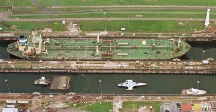 El Canal de Panamá aplicará restricciones al calado de los buques por la sequía