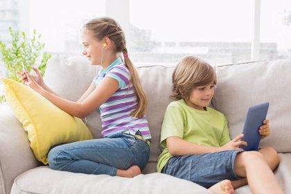 La edad mínima para tener móvil, ¿debería existir?