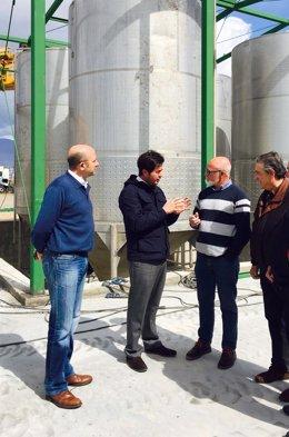 El alcalde de El Ejido visita una planta de lixiviados