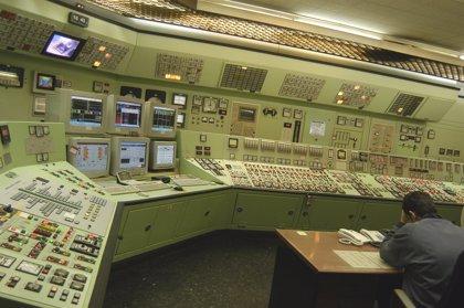 El sistema eléctrico anticipa un superávit de más de 900 millones en 2015 a falta de una liquidación