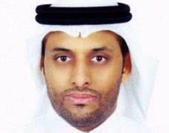 El periodista saudí, Alaa Brinyi, condenado a prisión por mensajes en Twitter