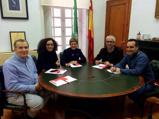 Reunión del PSOE con Cruz Roja en Almería