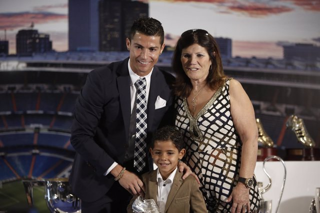 Cristiano Ronaldo, Maria Dolores dos Santos Aveiro y Cristiano Ronaldo Jr.