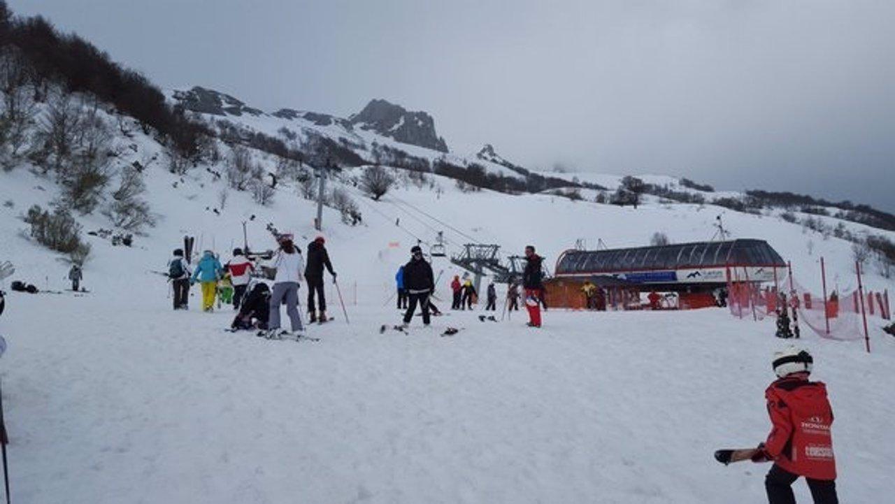 Esquiadores en Fuentes de Invierno.