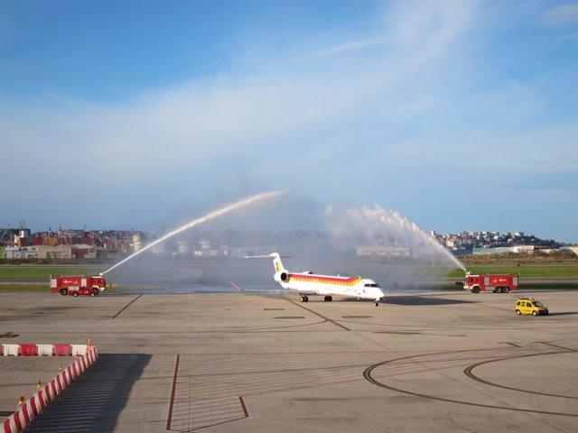 Primer vuelo de Air Nostrum procedente de Lisboa llega a Santander