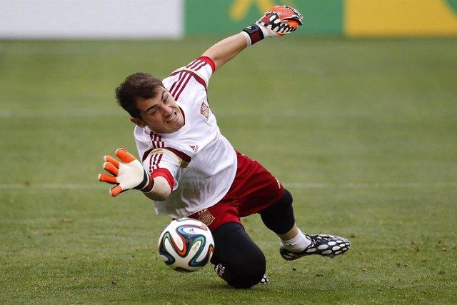 Iker Casillas en un entrenamiento con la selección española
