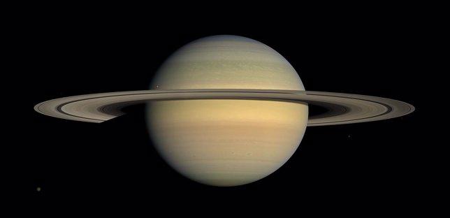 Saturno, fotografiado por la nave Cassini