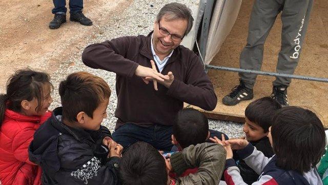 Carmona en un campamento de refugiados en Grecia