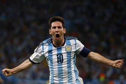 Argentina gana 2-0 a Bolivia sin brillar y con gol de Messi
