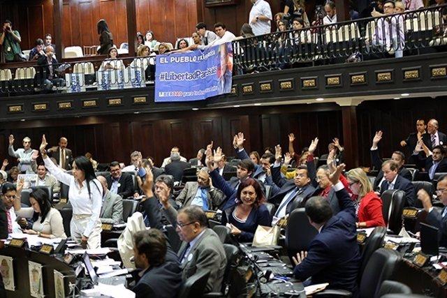 La Asamblea Nacional de Venezuela aprueba la Ley de Amnistía