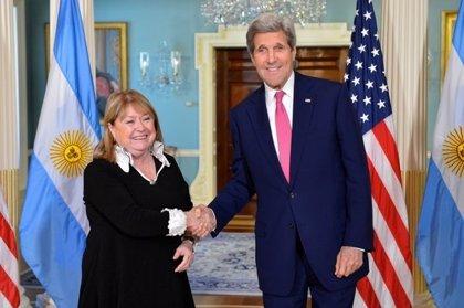 """Kerry elogia la """"restauración"""" argentina tras la llegada al poder de Macri"""