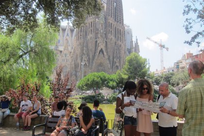 Los residentes en España realizaron 175,5 millones de viajes en 2015, un 4,7% más