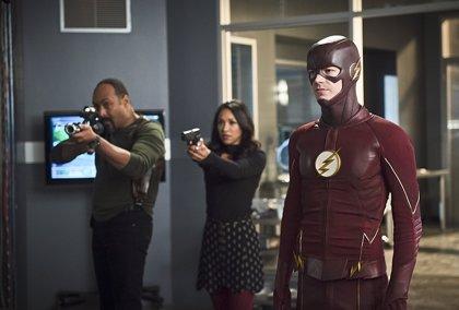 The Flash: Zoom (al fin) revela su identidad en las nuevas imágenes