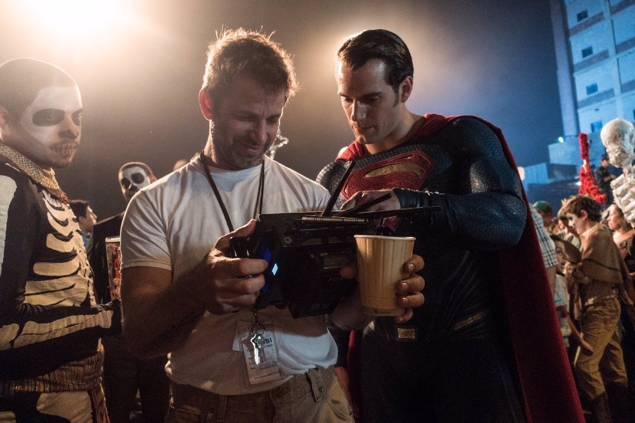 Zack Snyder junto a Superman
