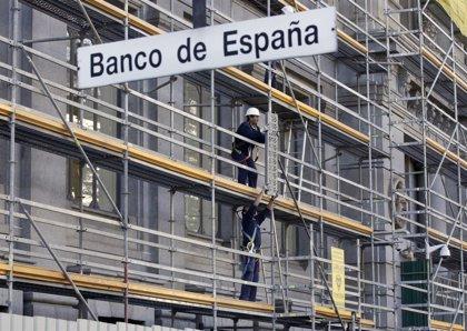 El Banco de España prevé un déficit del 4,4% del PIB este año, frente al 2,8% pactado