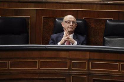 El PSOE reclama que Montoro explique al Congreso el desvío del déficit en 2015