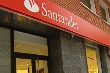 Los sindicatos prevén que Santander detalle la próxima semana el plan de ajuste de empleo en España