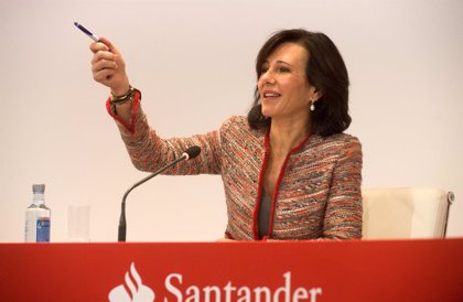 Santander afronta su primera reestructuración con Ana Botín al frente
