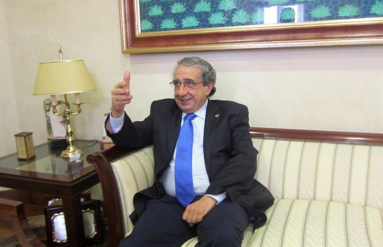 José Ángel Narváez, rector UMA