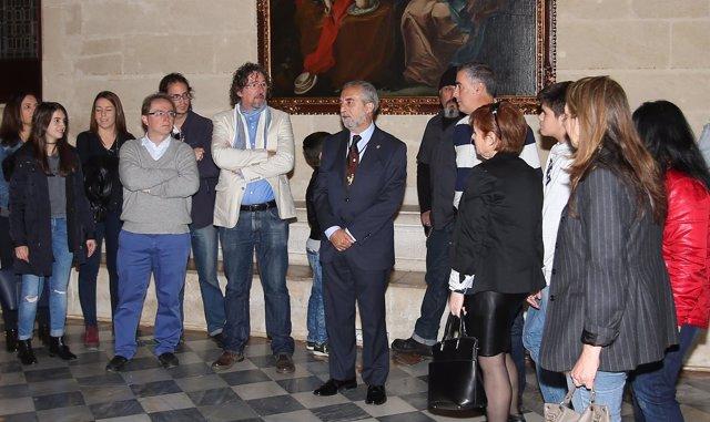 Visita de la asociación Asperger al Ayuntamiento de Sevilla