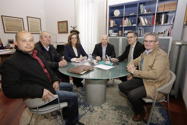 Reunión entre la presidenta de la Diputación y el Ayuntamiento de Villanueva