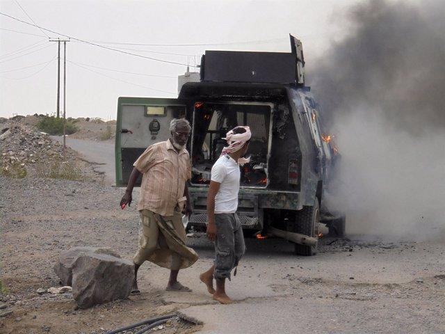 Yemen, las fuerzas de Hadi toman base en Adén