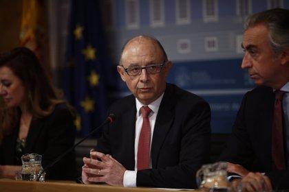 Hacienda admite que la rebaja fiscal ha reducido en 1.300 millones los ingresos por IRPF hasta febrero