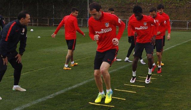 Diego Godín entrenamiento Atlético