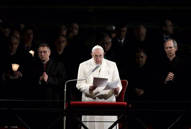 El Papa Francisco en su discurso en el Coliseo en el Vía Crucis del Viernes Sant