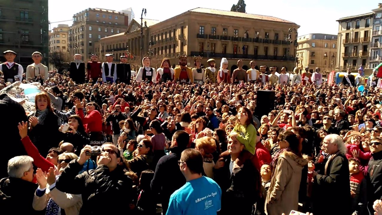 Gigantada por el Autismo en Pamplona