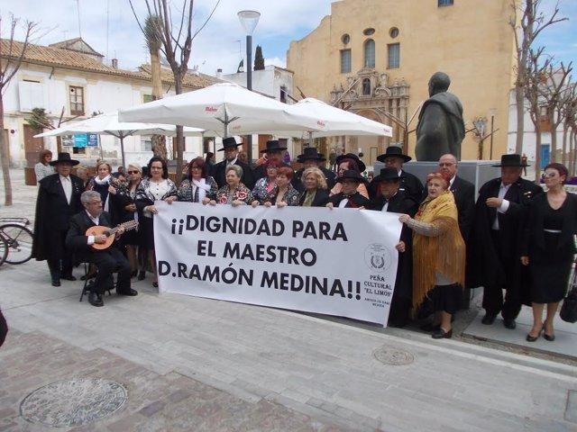 La Peña Cultural 'El Limón'  En La Protesta En La Plaza  De San Agustín