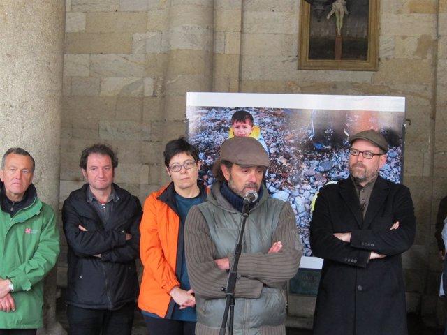 Inauguración de la exposición 'Refuxiados sen camiños' de Gabriel Tizón