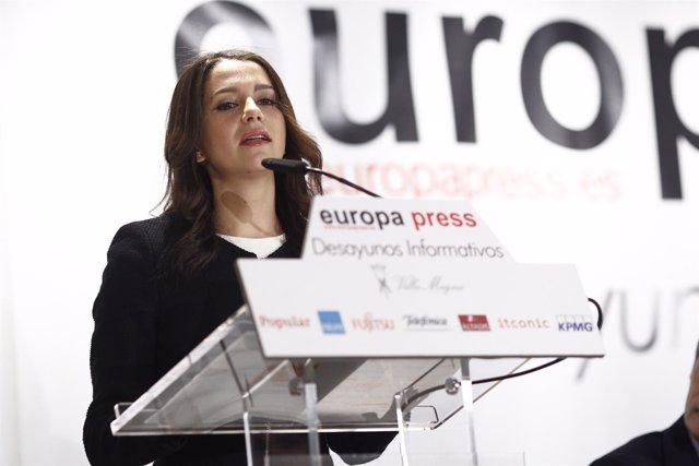 Inés Arrimadas en los Desayunos de Europa Press