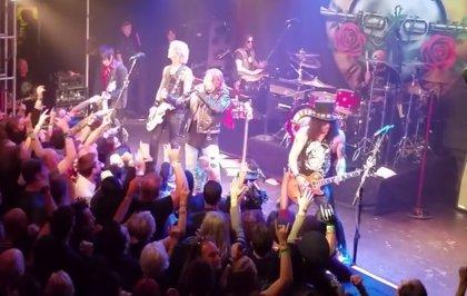 Vídeo de los Guns n' Roses de Axl y Slash tocando Welcome to the Jungle después de 23 años