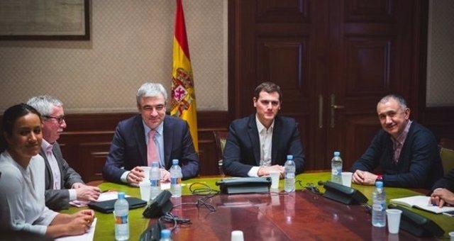 Albert Rivera y Luis Garicano con los líderes de CC.OO. Y UGT