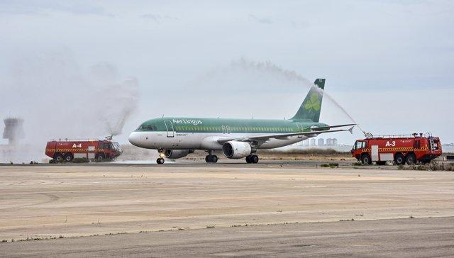 Imagen de la llegada del avión