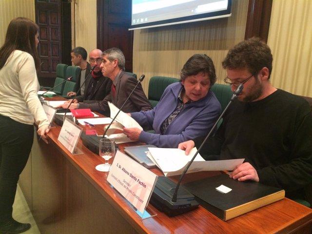 Mesa de la comisión del proceso constituyente