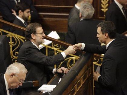 """Pedro Sánchez acusa a Rajoy """"mentir"""" sobre los datos de déficit"""