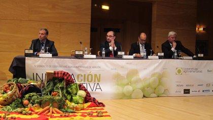 Lambán apuesta por ampliar las exportaciones del sector agrario y de sus cooperativas