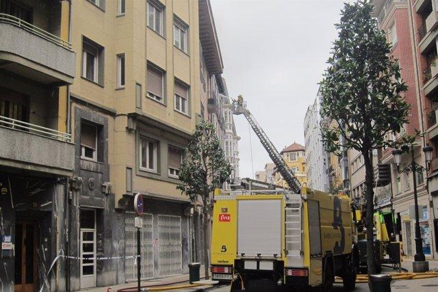 Incendio en Oviedo en la calle Melquiades Álvarez