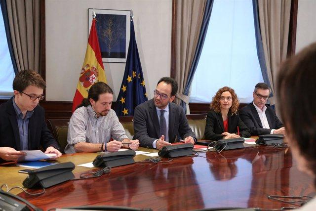 Reunión a tres entre PSOE, Ciudadanos y Podemos en el Congreso