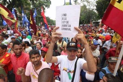 Oficialistas de Venezuela inician una manifestación contra la Ley de Amnistía