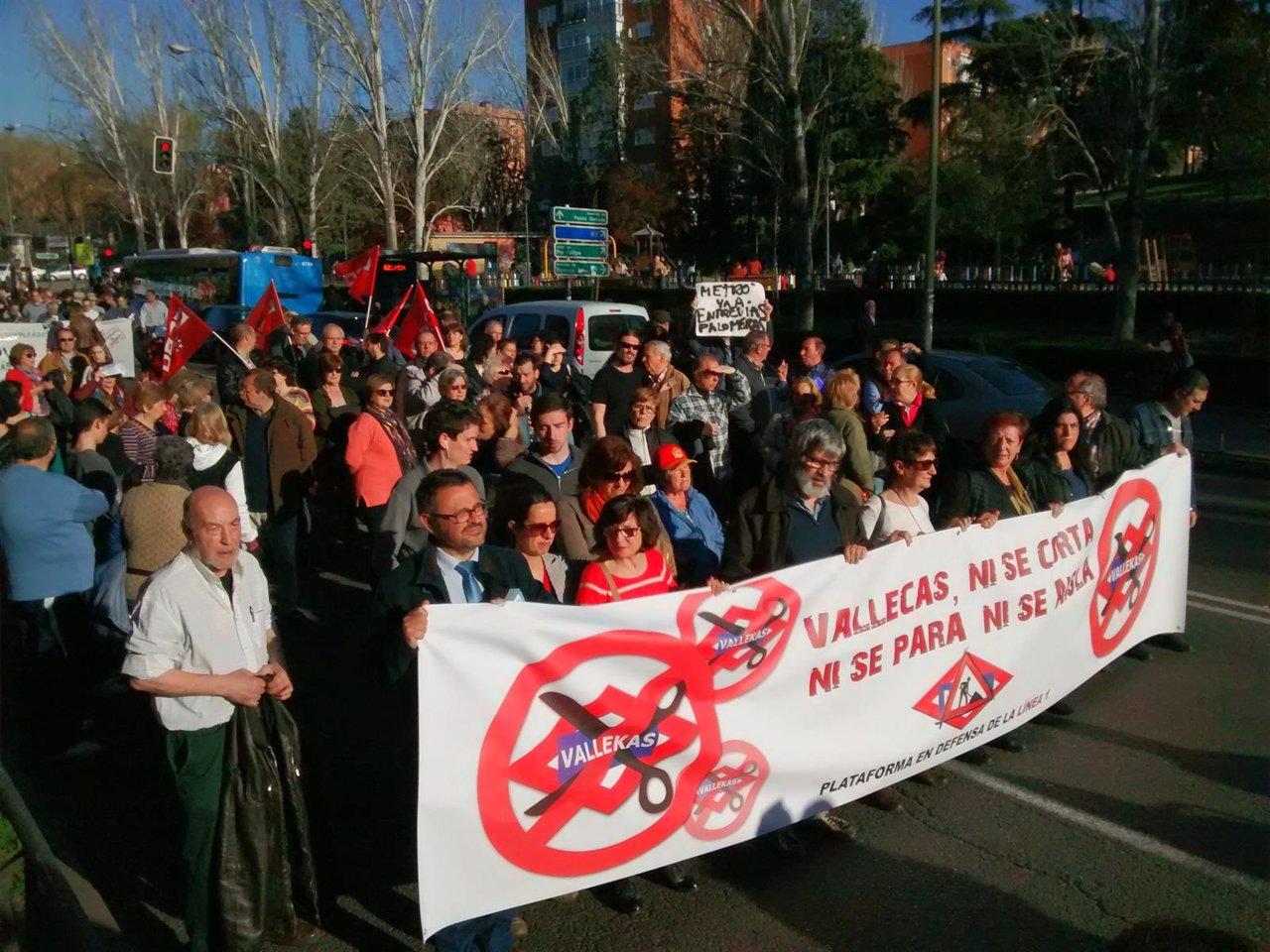 Manifestación en Vallecas contra el cierre de la línea 1