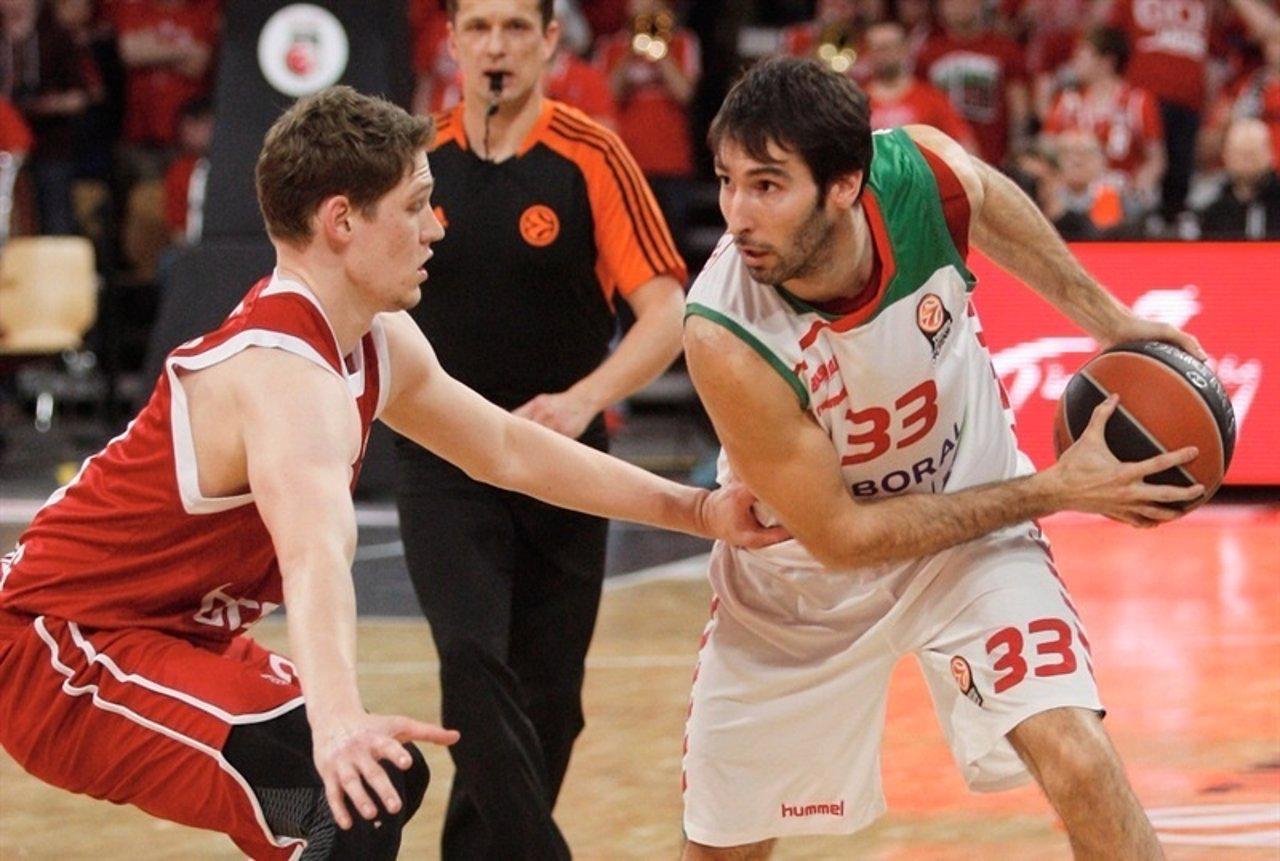 Alberto Corbacho en un partido ante el Brose Baskets