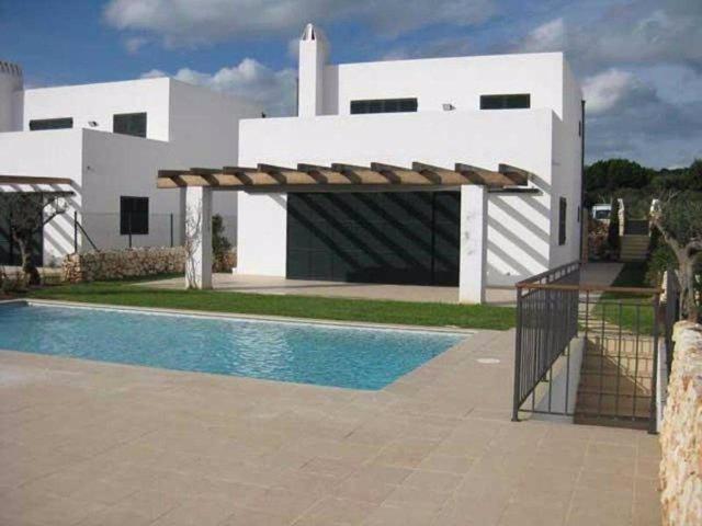 Los 'chollos' de la Sareb: casas en la costa desde 32.000 a 866.000 euros