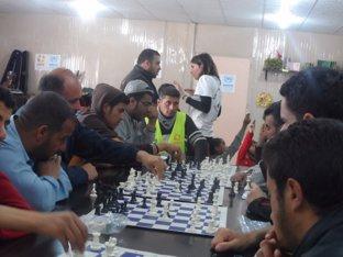 Varias partidas de refugiados con los maestros