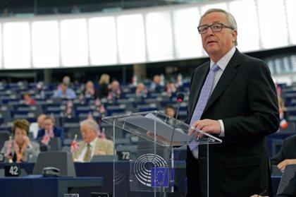 """Juncker reclama que se """"tomen en serio"""" las dificultades del acero europeo y se proteja del dumping"""