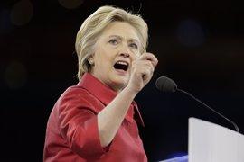 Clinton propone crear una Oficinade Asuntos de Inmigración si es presidenta